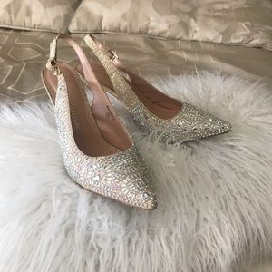 Beautiful Heels with rinestones throughout